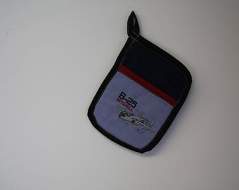 B-25 Mitchell WWII  Aircraft Pot Holder