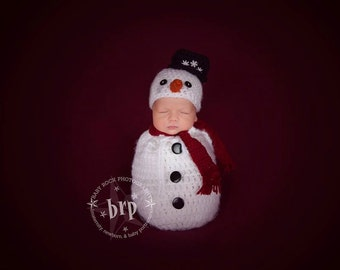 Newborn Snowman Hat/ Newborn Snowman Hat and Swaddle Sack/ Christmas  Baby Photo Prop/ Frosty the Snowman insired/ Crochet Snowman Hat/