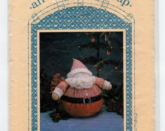 All Cooped Up Pattern 505 - Roly Ole' St. Nick