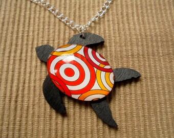 Chain, sea turtle (1509)