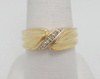 Vintage .08CT mens diamond wedding band ring 14K yellow gold 0314126