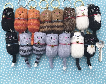 Knitted Fat Cat Keyring, cat gift, cat keychain, gift for cat lover, original design, bagcharm