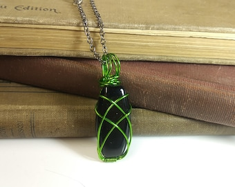 Green Wire and Black Stone  Pendant