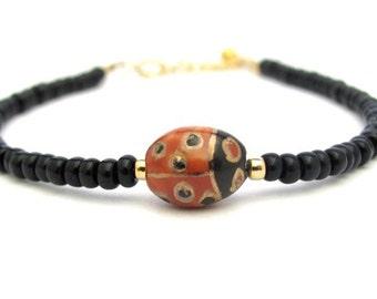 Lady Bug Bracelet Dainty Black Beaded Spring Good Luck Charm Bracelet Petite Glass Beads Red Black Porcelain Hawaii Jewelry