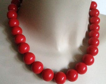Necklace - Chunky funky red plastic round bead necklace retro