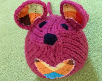 Knitted pinky red medium mouse softie