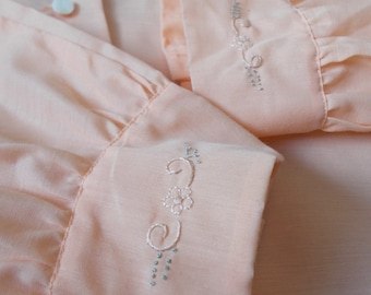 vintage pastel peach moon flower chinese hand embroidered blouse - 70s