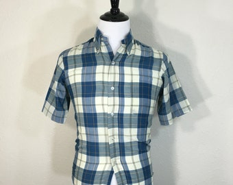 70's vintage 65/35 poly cotton blend button down short sleeve shirt