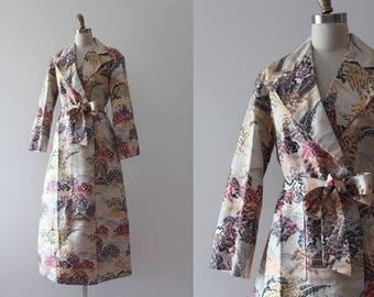 vintage 1940s robe // 40s asian brocade dressing gown