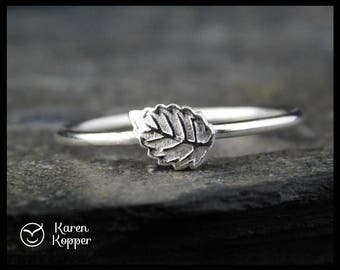 Autumn leaf ring. Sterling silver 0,925. Skinny ring, stacking ring. Made to order at your size..