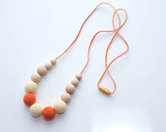 Ready to ship - Nursing necklace for mom - Breastfeeding necklace, Teething necklace with crochet wooden beads