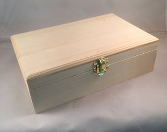 Unfinished Wood Box Hinged with Clasp No Feet