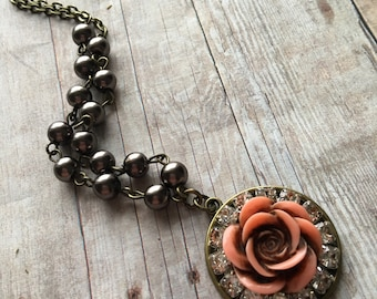 Rustic Flower and Pearl Necklace, Peach Rose Flower Necklace, Vintage-Inspired Jewelry, Rhinestone Jewelry, Flower Jewelry, Wedding Jewelry
