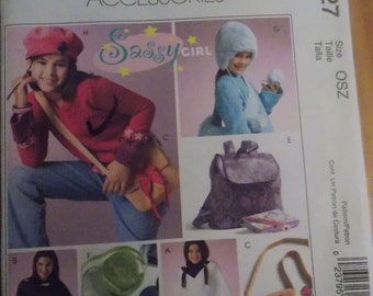Sewing pattern McCall's 4727 Girls' accessories new uncut