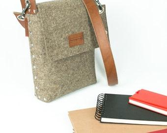 A4 Portait Bag / Cross Body Bag / Messenger Bag / Wool Felt Bag / Felt Bag