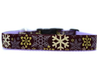 1 Inch Wide Dog Collar with Adjustable Buckle or Martingale in Snowflakes Burgundy