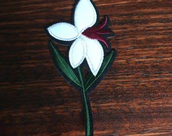 Single White Flower - Iron on Appliqué Patch