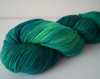 Lush Tropics on Strong Sock – Hand Dyed Yarn
