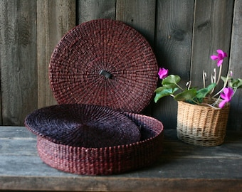 Round Wicker Basket With Lid And Hot Pads or Plate Liners Vintage From Nowvintage on Etsy