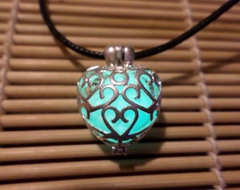 Glowing Necklace , Glowing Pendant, Glow in the dark necklace , Heart Necklace , Heart Locket , Women Necklace , Glow in the dark jewelry