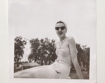 Original Vintage Photograph | Summer Stunner