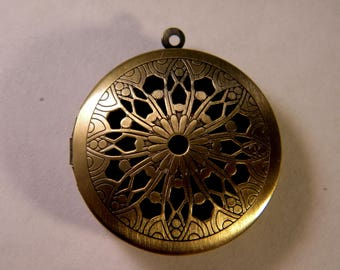 1 charm pendant bronze photo - 33 mm B022