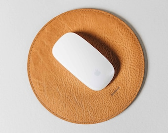 """Round Mouse Pad, Mousepad, leather, wool felt, """"Hyp"""", by band&roll"""