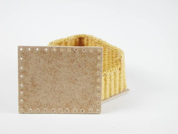 Board approx. 4.5 x 3.5 cm, for a rectangular basket, floor for wicker, for tinkering for the doll's room, Dollhouse miniatures, model making