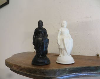 Vintage E.S. Lowe Renaissance Chess Piece, Replacement Pawn Pieces, 15th Century Inspired.