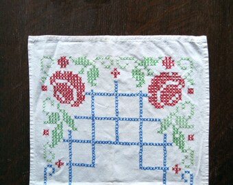 Cross Stitch Runner, Cotton Dresser Scarf, Embroidered of Cotton Runner, Tabletop Decor, Hand Stitched Doily, Farmhouse Decor, Cottage Style