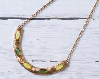 vintage 1970s bib necklace