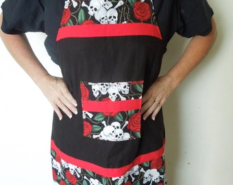 Skull and Roses Adult Apron