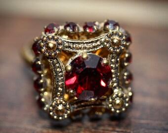 Unique adjustable vintage ring