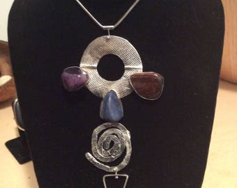 The Three Crystal Eyes necklace