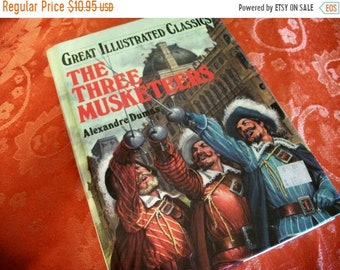 Book Literature The Three Musketeers by Alexandre Dumas Great Illustrated Classics Hardback Illustrated Book Vintage 1990