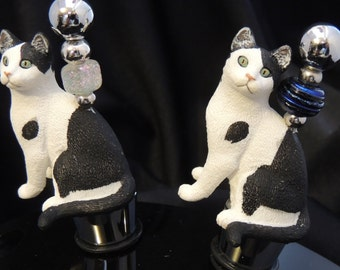 Kitty Green Eyes sitting Wine Stoppers  Bar ware Cat Tabby Cat Lover Gift