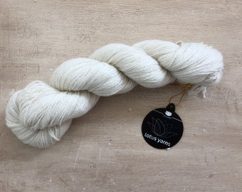 Lotus yarns 100% cashmere / pure cashmere fingering yarn / luxury yarn / natural white yarn