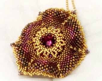 Loulou pendant with Swarovski crystals