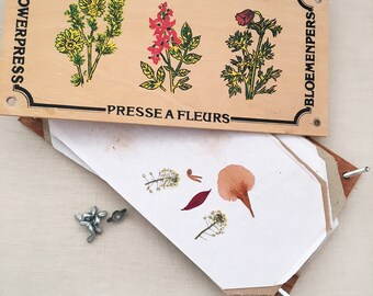 Vintage wood flower press - bohemian eclectic jungalow boho home decor style - dried florals Australian wildflowers - wooden #1050