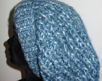 Hat in thick wool blue/white