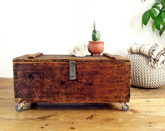 Wood Coffee Table,wood Tool Box,industrial Shipping Crate,vintage  Crate,storage