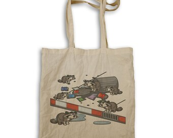 Raccoon Searching Trash Tote bag p601r