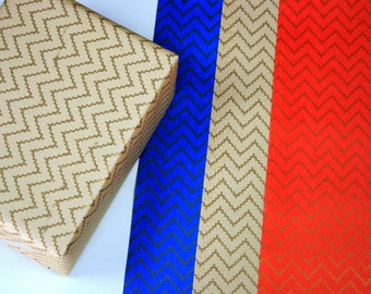 Christmas gift wrapping paper Set of 2 - Zig zag wrapping paper - Fun gift wrapping paper - White - Blue - Red - Handmade wrapping paper