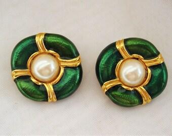 Vintage Green Enamel Faux Pearl Blanca Earrings Clip On