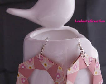 Pair of hoop earrings pink origami