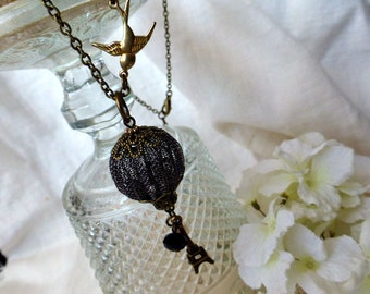 Fly me to Paris Necklace - Hot Air Balloon Eiffel Tower Travel Necklace - Honeymoon, Travel , Souvenir Gifts