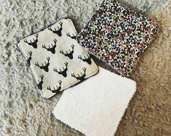 set of eco-friendly demaquillantes wipes.