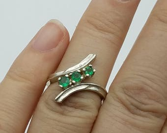 Vintage Sterling Silver & Natural Emerald Bypass Ring - Size 7.25