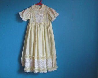 Vintage girl's yellow dress by Mini World Party Dress with white ruffles wedding tea party Easter baptism size 4T Toddler