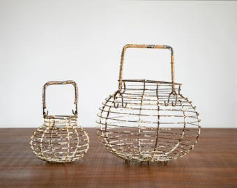 """Antique Primitive Wire Baskets, Pair, 10"""" and 5"""" // Rust w White Enamel // Hipster, Country, Bohemian, Rustic"""